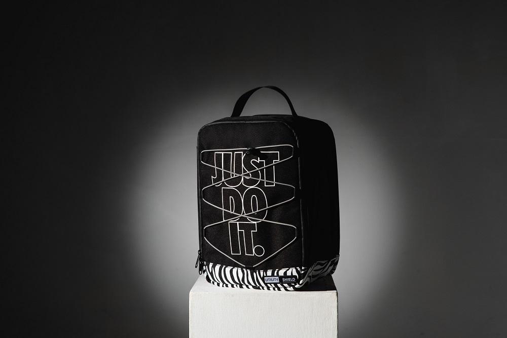 百貨週年慶首JUST-DO-IT防水包.jpg